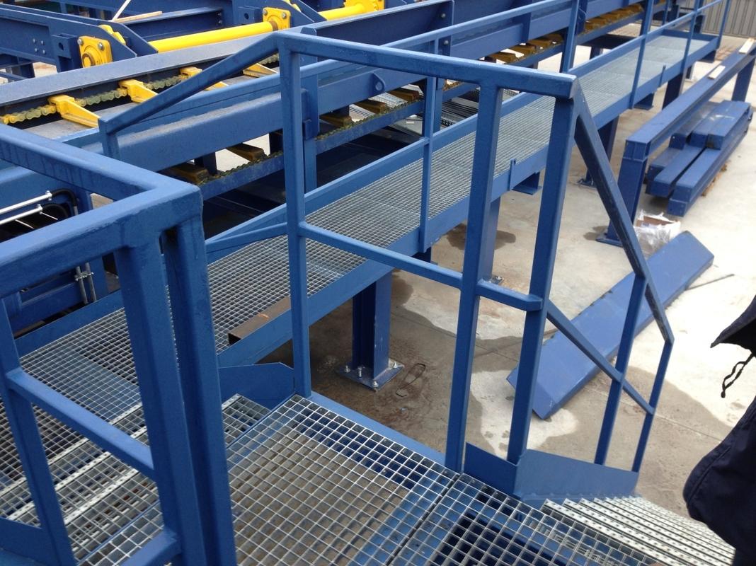 502 Pracovné plošiny, schody, lávky